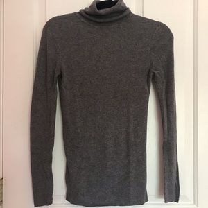 Ann Taylor Gray Turtleneck Sweater